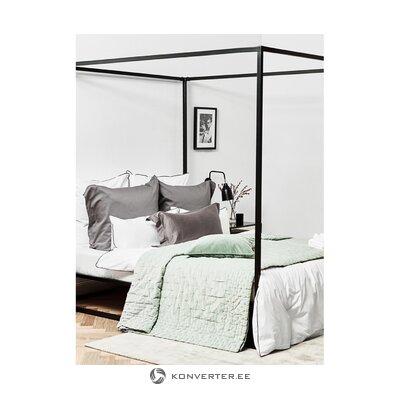 Кровать с балдахином (208 x 188)