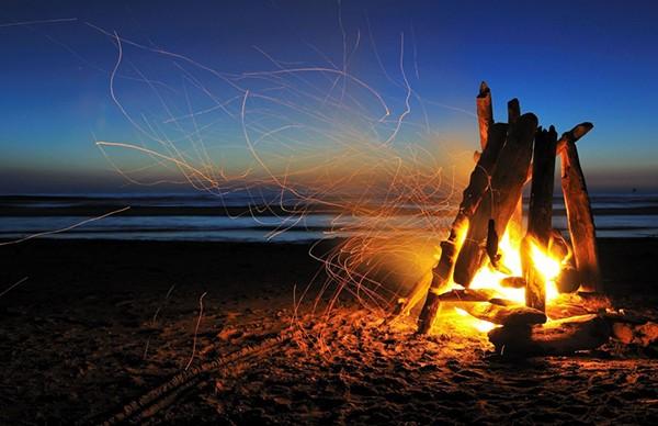 beach-fire-600x388